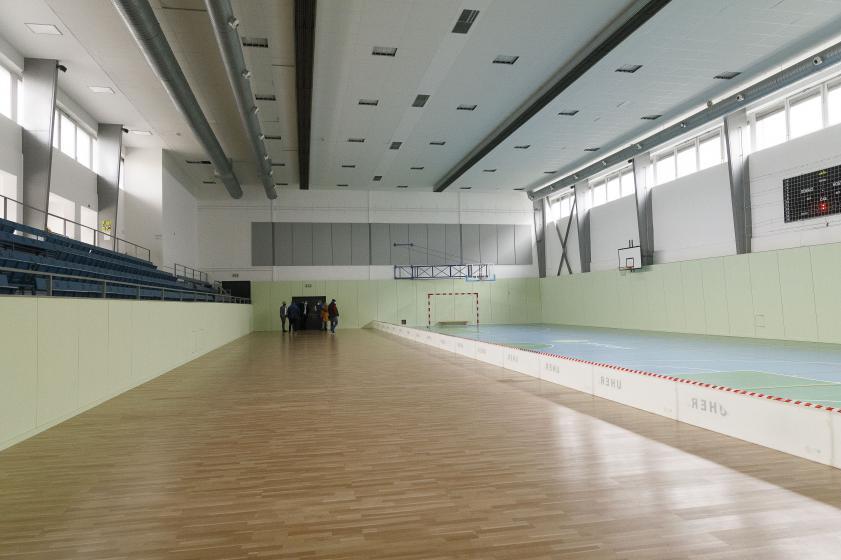 Očkovací centrum v říčanské sportovní hale zahájí ostrý provoz